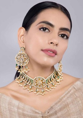 Kundan and Pearls Choker Necklace with Earrings