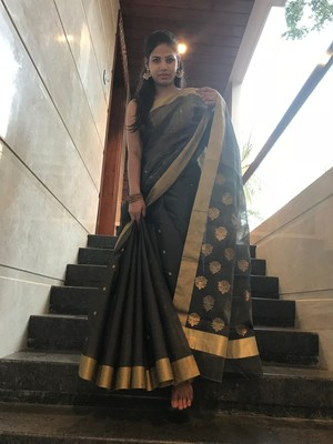 Charcoal hand woven chanderi silk saree with blouse