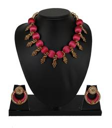 Pink collar-necklace