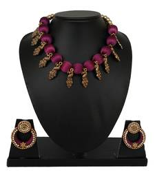 Purple collar-necklace