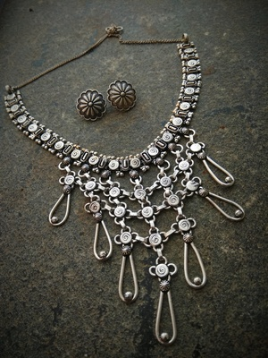 Contemporary German Silver Necklace Set With Round Ear Studs