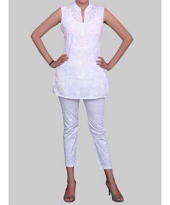 WHITE COTTON SHORT SLEEVELESS CHIKANKARI TOP