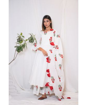 off white embroidered cotton stitched kurta sets