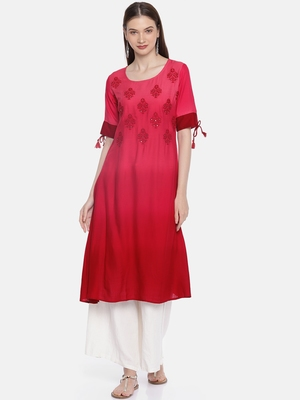 Women Peach-Coloured & Red Dyed Embroidered A-Line Kurta