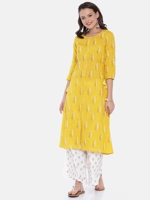Women Mustard Printed Straight Kurta