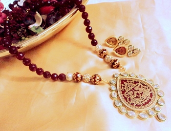 kundan thewa Gold agate necklace-sets