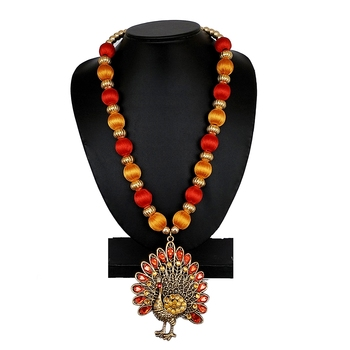 Red party-jewellery