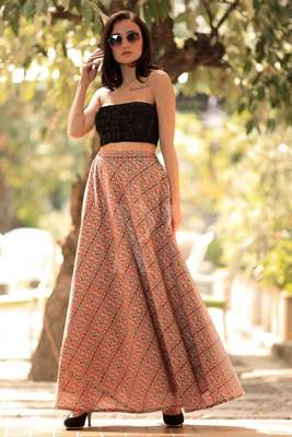 TEXTURED DIGITAL PRINTED FLAIRED LONG SKIRT
