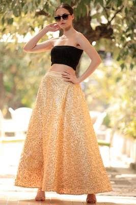 BLOSSOM GOLDEN EMBROIDERED FLAIRED LONG SKIRT