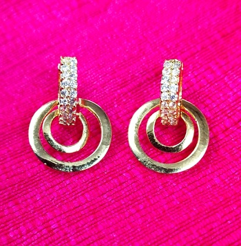 Indo Western Fashion Party Wear Round Earrings