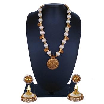 White statement-jewellery