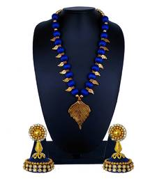 Blue statement-jewellery
