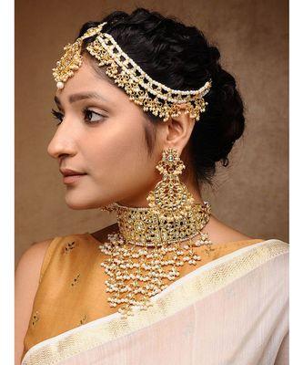 Kundan Maharani Set - Neckpiece, Earrings & Matha Patti