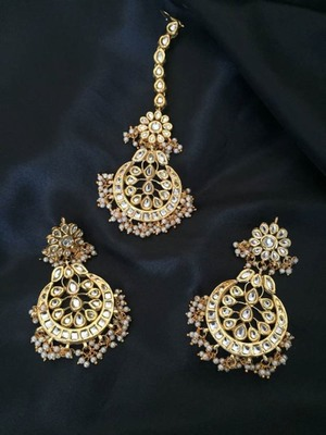 sabina kundan chandbali earrings with maangtikka set