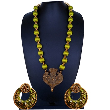 Green indian-traditional-jewellery