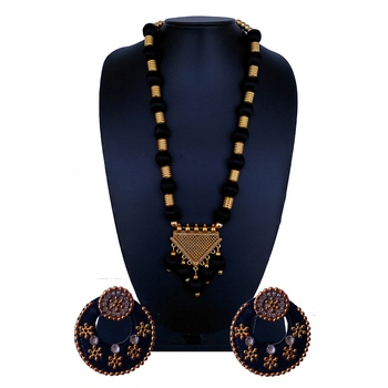 Black indian-traditional-jewellery