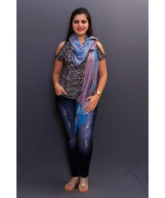 Delicate Wrap Along With Sky Blue Colour Base And Paisley Pattern On Stole Looks Elegant.