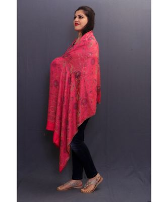 Delicate Wrap Along With Fushia Pink Colour Base And Amazing Overall Pattern Looks Quite Unique.