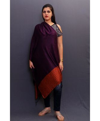 Delicate Wrap Along With Dark Purple Base And Highly Defined Broad Border Gains Whole Attention.