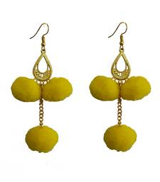 Yellow pom-pom-earrings