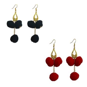 Black pom-pom-earrings