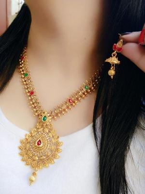 Gold crystal jewellery