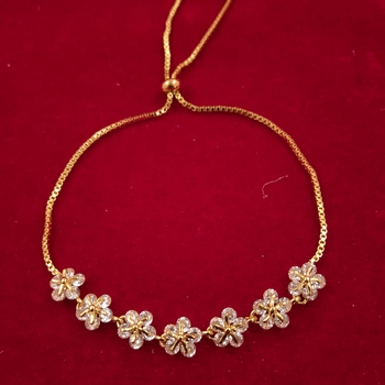 Fashion Collection Gold Plated Charm Bracelet For Women