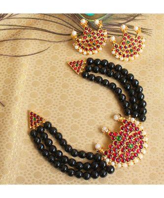 Beautiful Kemp Green Black Agates Pearl Moon Designer Temple Necklace Set