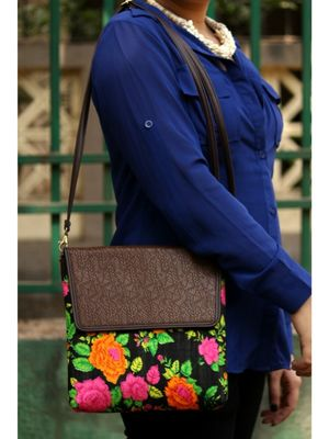 bagzVela Flowers Printed Black Base Casual Sling Bag