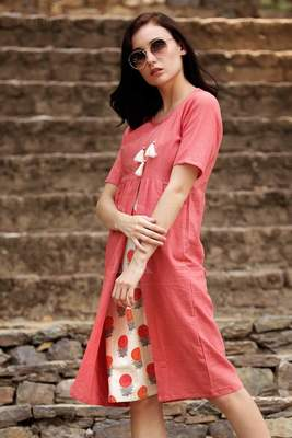 CORAL KURTA WITH FLORAL PANEL