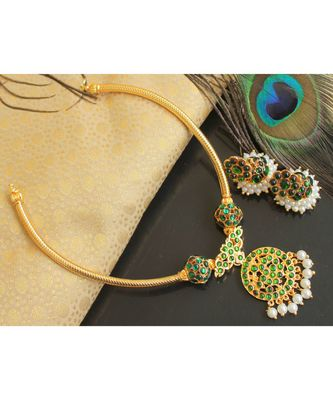 Beautiful Green Pearl Designer Temple Necklace Set