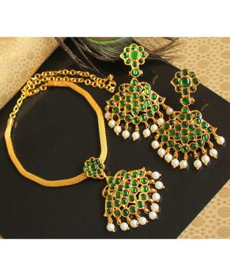 Beautiful Green Pearl Designer Temple Necklace Set
