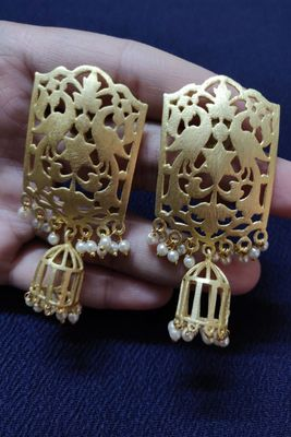 Gold plain Earrings