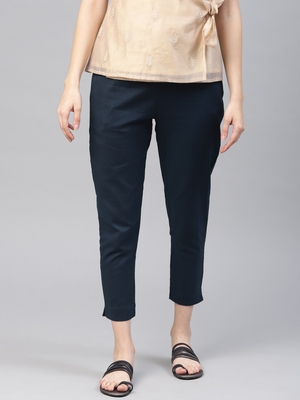 Women Navy Blue Slim Fit Solid Cropped Cigarette Trousers