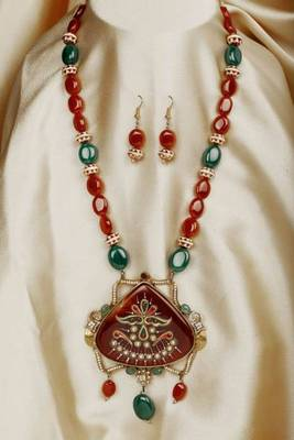 Design no. 8B.1805....Rs. 3800