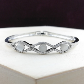 Saizen Bracelets For Women Silver Plated Crystal Bracelet Bangle Jewellery For Girls And Women