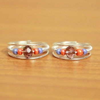 Multicolor crystal toe-rings