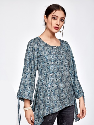 Dark-grey printed polyester short-kurtis