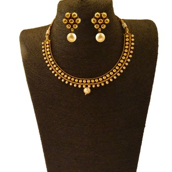 Gold Polish Small U Shaped Short Necklace with Flower Designs and with Matching Earring Sets Set