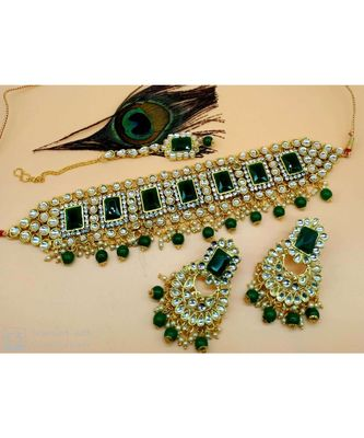 Ethinc Indian Bollywood Green Kundan Pearl Choker Jewelry Set