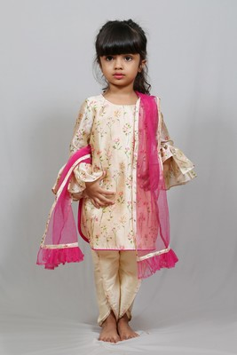 kurta and dhoti style pant with dupatta