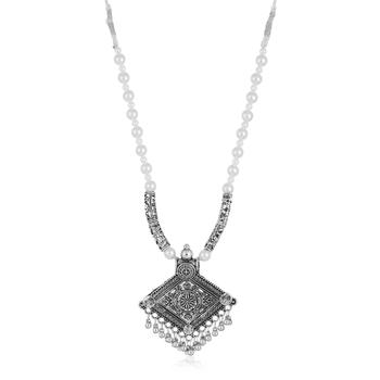 Grey pearl collar-necklace
