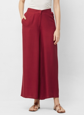 Women's Solid Maroon Casual Pants