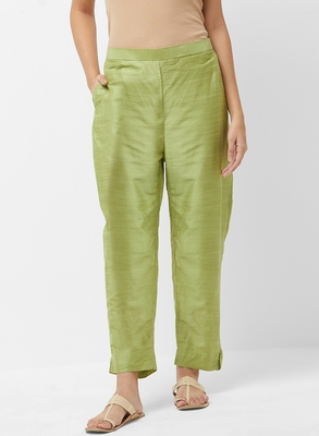Women's Solid Green Casual Pants