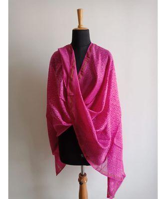 Fuschia pink triangle print chanderi silk shibori work dupatta
