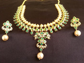 Green emerald   south-indian-jewellery