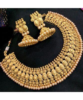 Georgeous Matt Finishing Necklace Set