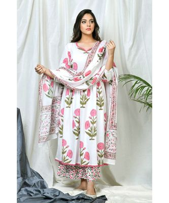 Inaya Coordinate Set with pink block print dupatta
