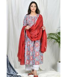 Yasmeen Pintuks Kurta set with embroidered pants and dupatta