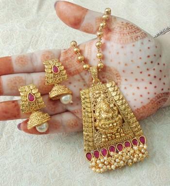 "Lalso Beautiful Ruby 22"" Brass Chain Pearl Beaded Bandhani Laxmi Pendant Earring Set - LBLPS03_RB"